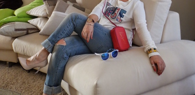boyfriend jeans, Excape, fashion blog, fashion blogger, felpa con scritta, forever 21, Levis, Millelire, mini bag, occhiali da sole camo, orologio Millelire, outfit post, purses in the kitchen, stradivarius, zara,